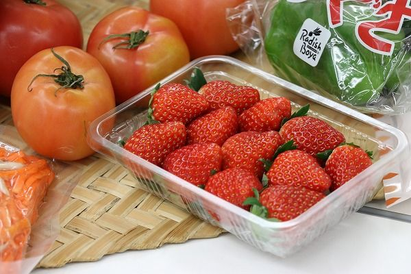 低農薬果物(パック詰めイチゴ)