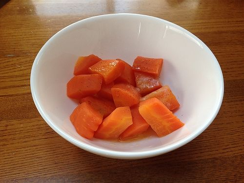 イエコックの野菜宅配人参料理
